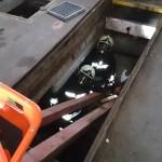 Mit 2 Holzbalken wurde eine Aufziehhilfe errichtet