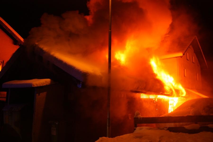 Holzschuppenbrand Jenbach1_31.12.2014