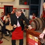 Bieranstich mit Bürgermeister Dietmar Wallner und Stv. Andreas Lackner